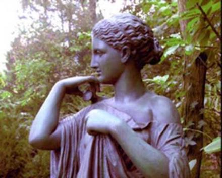 Herkennen van een antiek tuinornament