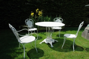 A 19th century French garden set