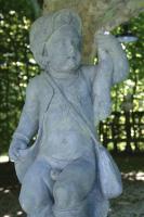 Paar 18de eeuwse Bentheimer- steen tuinbeelden