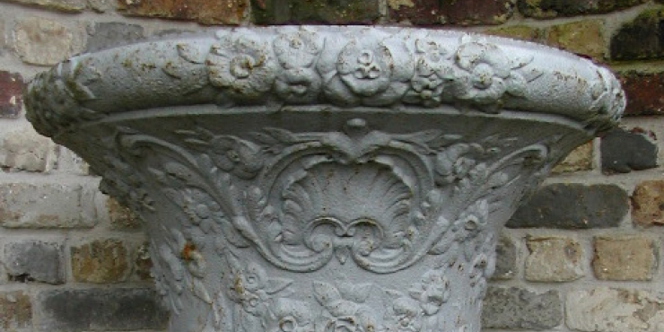 Antique French cast-iron garden urn, 19th century