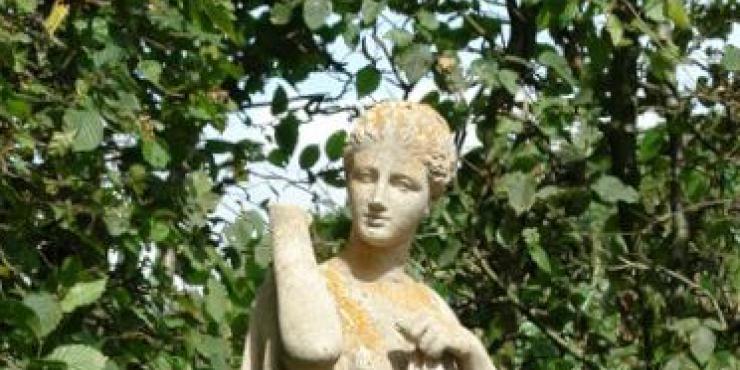 19th century garden statue of Diana de Gabies