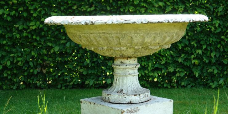 19de eeuwse gietijzeren tazza- urne