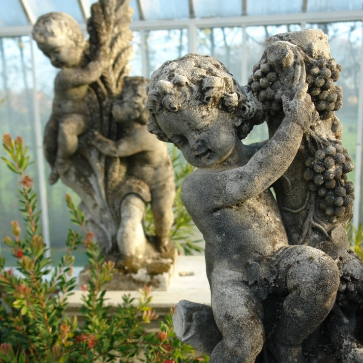 Pair of putti groups